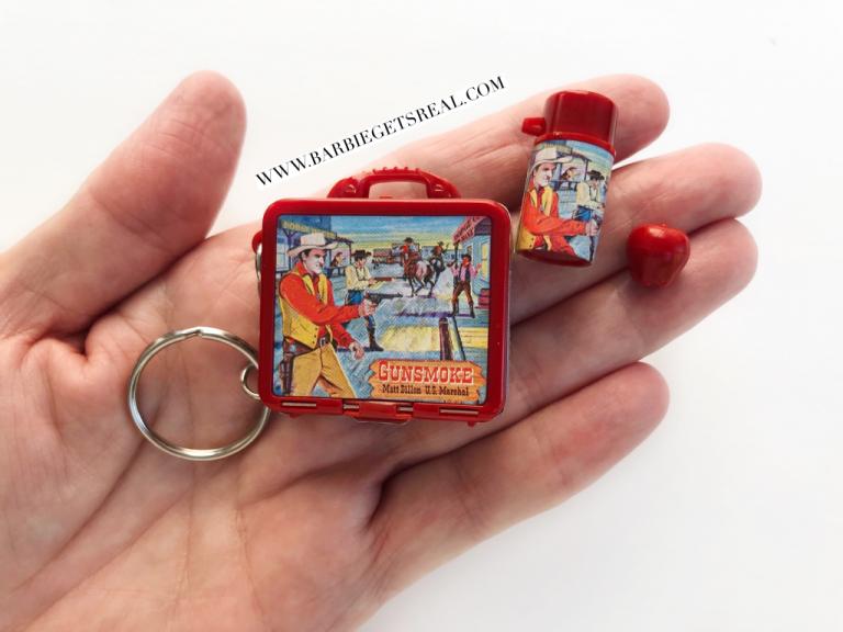 Basic Fun Gunsmoke keychain lunch box